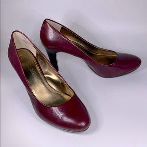 Anne Klein Clemence maroon burgundy round toe heel